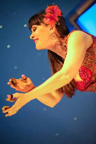 Aisha-Bellydance-Kansas-City-dancer-book