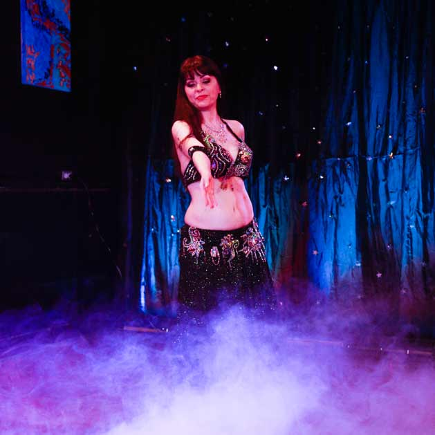 belly-dance-performance-Kansas-City-Aisha