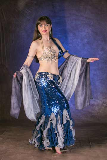 bellydancer-Kansas-City-Aisha-performance-studio-photo